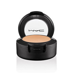 """MAC"" Corretivo Studio Finish SPF 35"